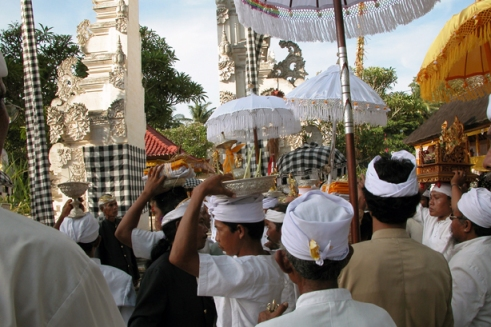 Thousands make a pilgrimage here every year bringing offerings to the demon, Ratu Gede Macaling for hopes of prosperity and good luck in the year to come. (Photo by Maria Bakkalapulo)