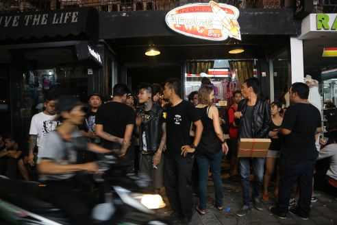 Outside the Bali's legendary underground music venue, the Twice Bar.  Photo by: Maria Bakkalapulo © ALL RIGHTS RESERVED